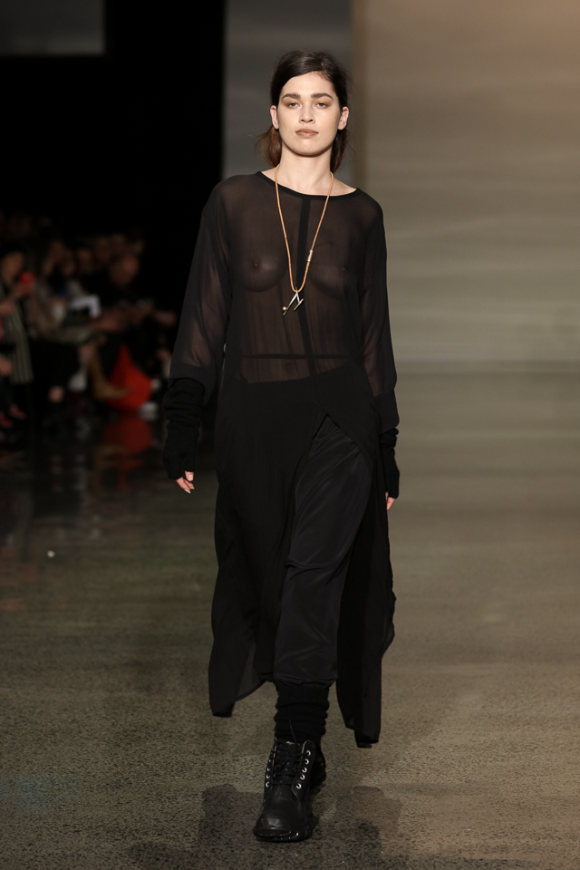 ©NZFW-LelaJacobs--MichelleWeir-640px-1