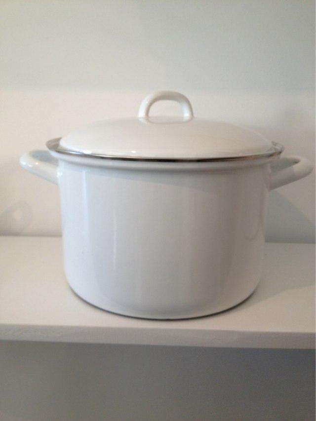 Reiss Kitchenware Enamel Stockpot $148